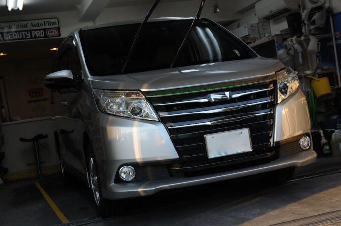 トヨタ ノア 新車ガラスコーティング