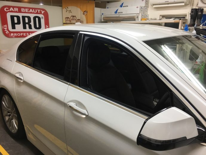 BMW 5シリーズ(F10) モール磨き&ラッピング