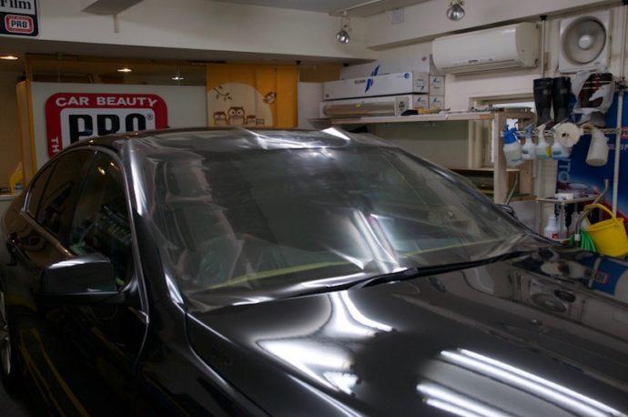 BMW 535i(F10) フロント3面フィルム施工 細部洗浄
